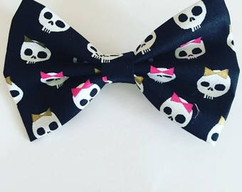 Skulls with bows