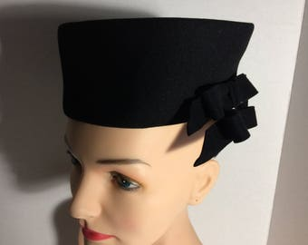 Black Felt Pillbox Pill Box Hat Bows Strap Vintage Formal Timeless Fashion