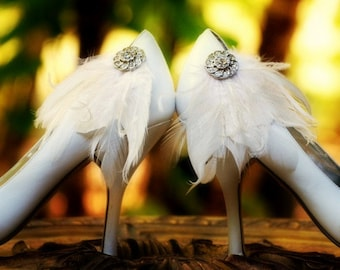 White Wedding Shoe Clips. Ivory Black Blue Red Emerald Feathers Rhinestone. Spring Bride Bridal Bridesmaid MOH, Lush Edgy Gift, Chic Fashion