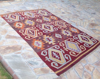 "Kilim rug, 110"" x 72"", Burgundy area rug, Burgundy kilim, kilim, Vintage Turkish kilim rug, area rug, kilim rug, organic wool kelim, 701"