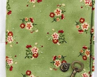 Cotton Fabric Star Flowers - Green - By the Yard 40386