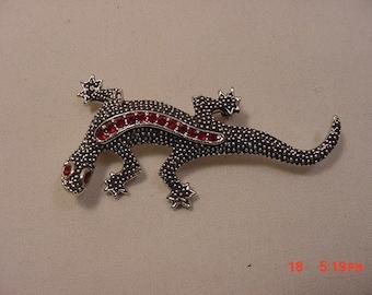 Vintage Red Rhinestone Accented Lizard / Gecko / Salamander Brooch   16 - 587