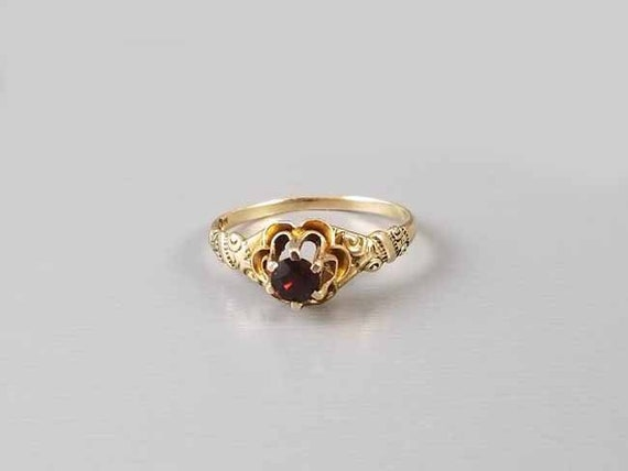 Antique Edwardian 10k gold garnet ornate solitaire ring signed WWW White Wile Warner, size 7-1/4