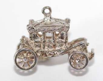 Vintage Moving Royal Carriage Sterling Silver Bracelet Charm / Wheels Turn 4.3g
