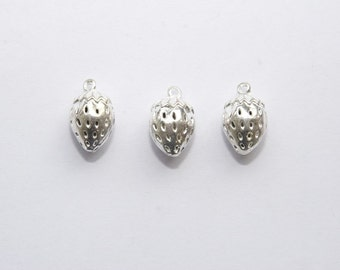 3 PCs. Charm / Metal pendant / Strawberry / color: silver / 12x19mm   A158
