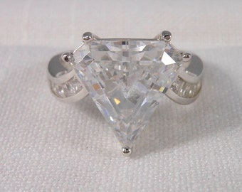 Vintage Large Diamonique Trillion Cut Cubic Zirconia and 925 Sterling Silver Ring Size 7 1/4