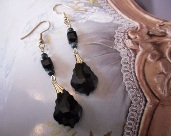 Pearl drop earrings faceted black Swarovski Crystal