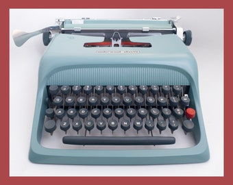 MINT 1961 Underwood Olivetti Studio 44 Typewriter (pica)