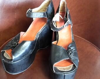 Orsini  black leather platform shoes vintage 1970 for women size 7.5 or 8 US