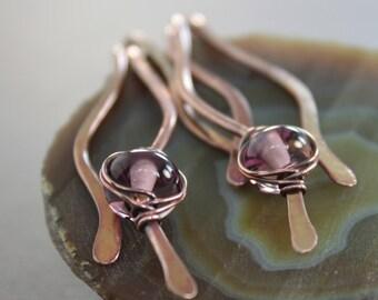 Wavy dangle copper earrings with amethyst color lampwork glass spacers - Cascade earrings - Dangle earrings - Chandelier earrings - ER038