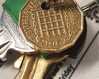 THREEPENCE COIN KEYRING 40s 50s 60s