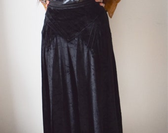 Vintage 80s black velvet midi skirt high waisted size S