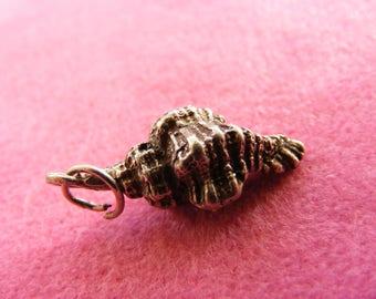 H) Vintage Sterling Silver Charm Whelk Shell