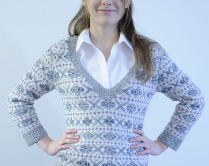 Damaress Fitted Fair Isle Sweater by Elizabeth Lovick in 4 ply/fingering yarn