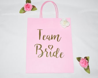Personalized Gift Bags, Bridesmaid Gift Bags, Bridal Shower Gift Bag, Bachelorette Party Bags, Welcome Bags.