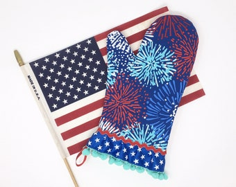Patriotic Oven Mitt. 4th of July Firework Pot Holder. Stars and Stripes American Flag and Pom Poms. Red, White and Blue Baking Gift.