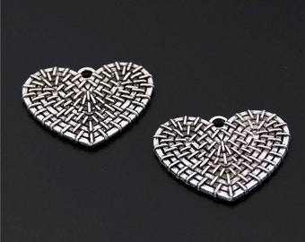 20pcs Antique Silver Carved Heart Charms Pendant A2475