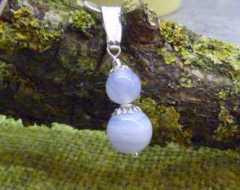 PEARL CHALCEDONY STONE PENDANT NECKLACE
