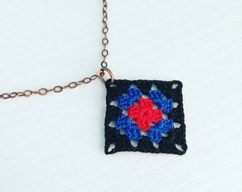 Lincoln Square Crochet Necklace in Black / Cobalt Blue / Red, Granny Square Pendant, Boho Hippie Style, Mom Gift, Cotton Anniversary