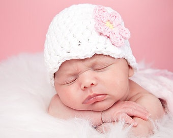 White Baby Girl Hat 0 to 3 Month Baby Hat Crochet Flower Hat Flapper Beanie Flapper Hat Pink Flower Photo Prop Baby Girl Clothes New Baby