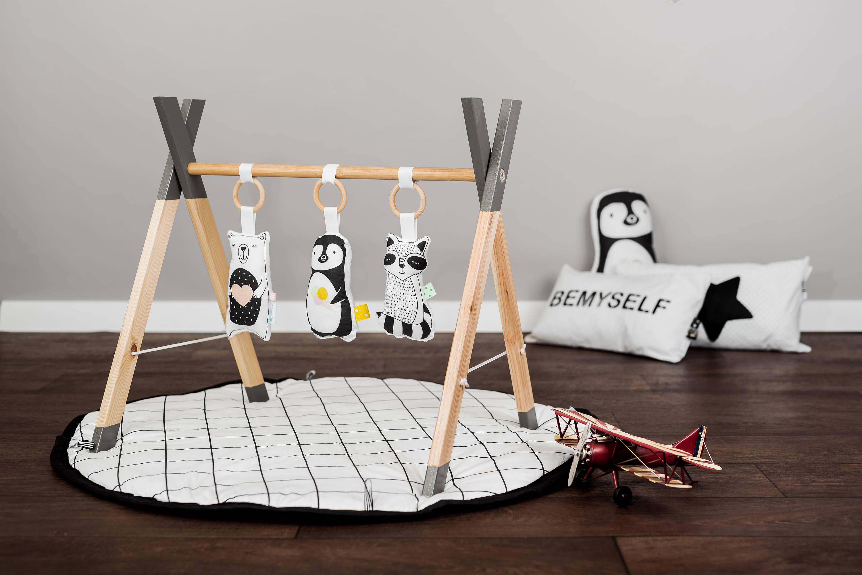 Moderno gimnasio de bebé madera gimnasio animales juguetes de