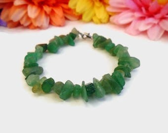 Green aventurine chip stone intention bracelet for heart chakra healing, healing stone bracelet with clasp, durable jewelry, lucky bracelet
