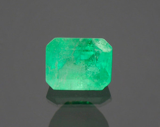 FLASH SALE! Bright Green Emerald Gemstone from Colombia 1.61 cts.