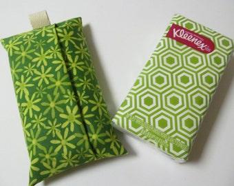 Tissue Case/Green Flower