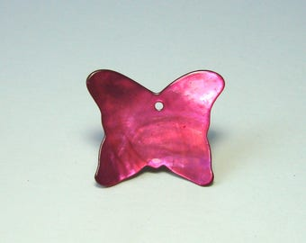 Charm, Pearl pendant, butterfly, 27 mm x 23 mm, fuchsia pink.