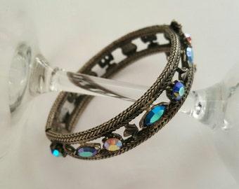 FLORENZA Hinged Bangle Bracelet