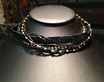 Necklace Choker: black seed beads, glass pearls beadwoven