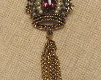 Pretty vintage amethyst crystal simulated turquoise pearl dangling tassel crown pin brooch
