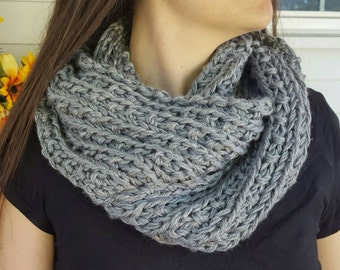 Silver Knit Mobius Scarf