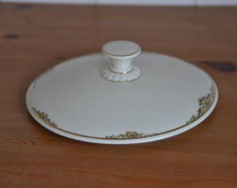 Porcelain lid (diameter 18 cm) for Dekschaal, Zeh Scherzer
