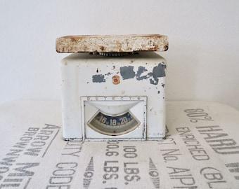 Vintage White Rustic Detecto Art Deco Kitchen Scale