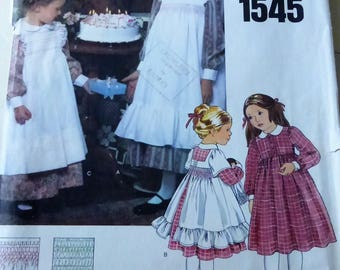 Vintage Vogue Little Vogue Pattern 1545 Child's Dress and Pinafores Size 6 Factory Fold