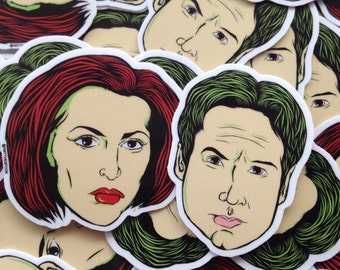 The X Files Mulder and Scully, Pack of 2 stickers!