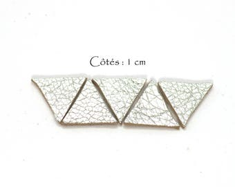 Genuine Leather Triangles, Equilateral Triangle - Sides: 10 mm - Goat Leather - Lot Color Silver (6 pcs)