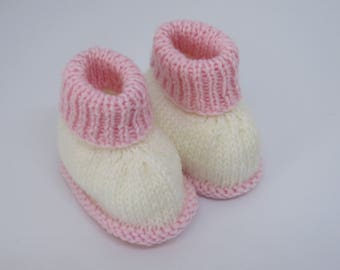 Baby booties -Knitted baby booties -White and pink baby booties- Baby ugg boots- 0-3 months Baby booties
