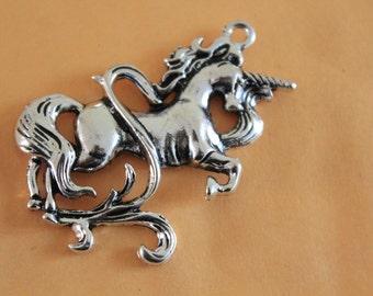 Unicorn Charms Antique Silver Tone 46*47mm Antique Silver Lovely Filigree Horse Unicorn Charm Pendant