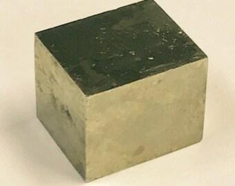 VINTAGE Crystal PYRITE mineral specimen CUBE 11.4 gms MIN15