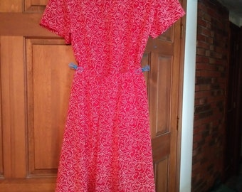 Orvis 2 piece red print skirt and top set - size 14P  - Retails over 100