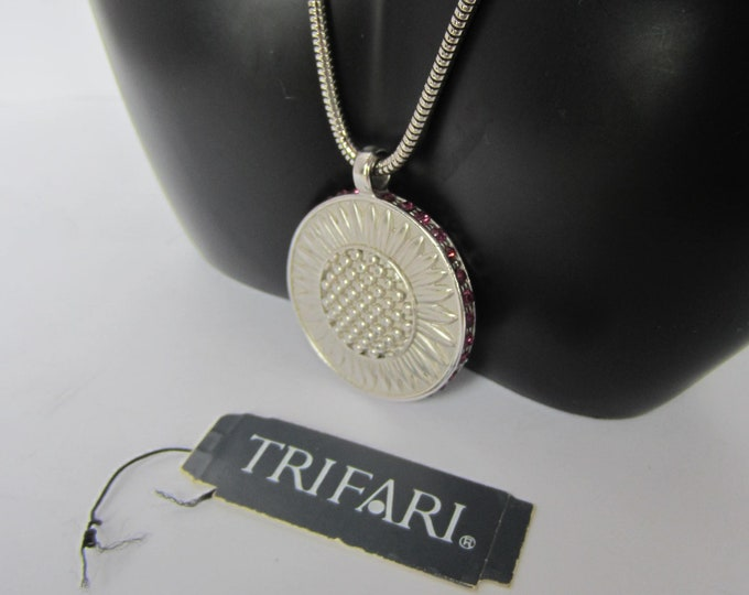 Trifari double-sided Sunflower PENDANT & snake CHAIN set ~vintage costume jewelry