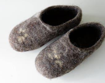Felt felted wool slippers / clogs /  house shoes / mules/ woman's/men's unisex minimalist brown / handmade - scandi hygge living
