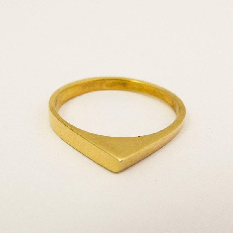 Minimalist gold wedding ring Women\'s gold wedding ring