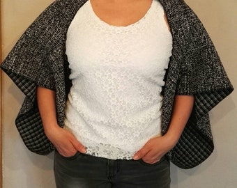 Women kimono in black and white tweed.