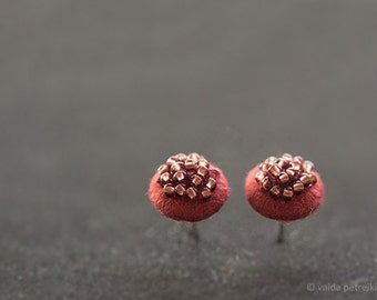 Marsala studs - Modern round felt earrings - Burgundy post ear studs - Copper brown brick red posts - Summer fashion small bridesmaid gift
