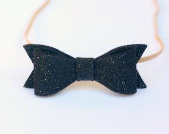 Black glittter baby hair bow, Hair bow for Baby elastic headband, black baby hair bow, Felt bow headband newborn hair bow newborn photo prop