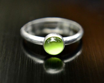 Peridot Ring, August Birthstone, Sterling Silver Stacking Ring with Peridot Cabochon, Bridesmaids Gift