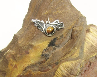 Woodland Wings, autumn color, leaf pendant, oak pendant, golden tiger eye pendant, sterling silver jewelry, symbolic oak jewelry